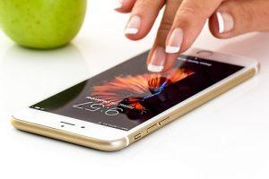 smartphone mano mela